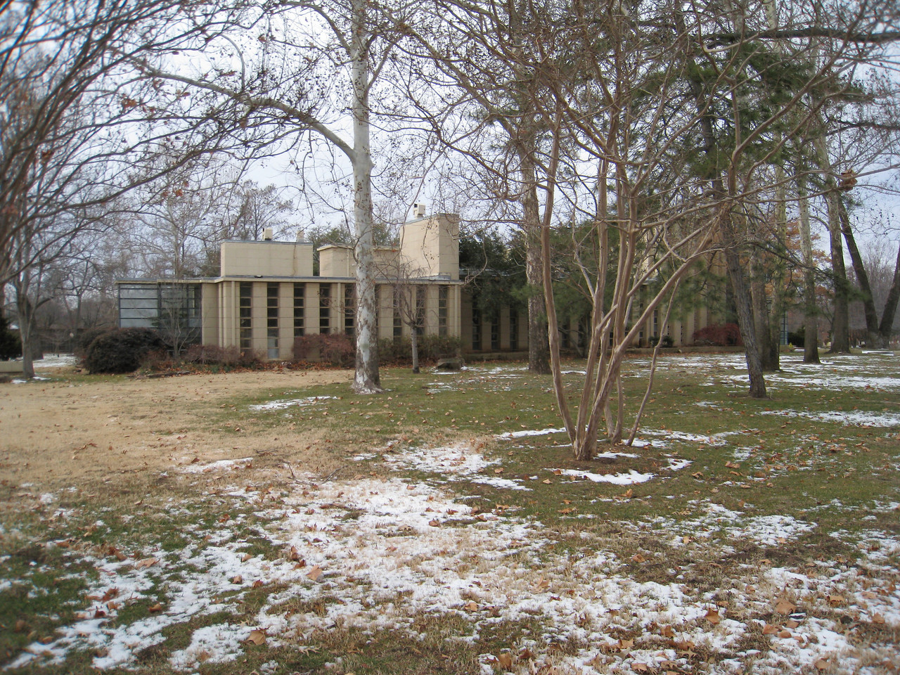 Frank Lloyd Wright's house designed and built for Richard Lloyd Jones, Frank's cousin. A.K.A. Westhope, built in 1929. 10,405sq. ft. Estimated value as of 1-27-2011, $1.13 million.