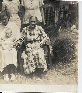 Dawn's Grandmother, Jay's mom