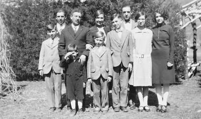 """William and Katherine """"Katie"""" Langen and their children.  Katie was older sister of twins, Joe & Mary, born 1895.  Joe Von Arx married Verna Tschumper, born 1904."""