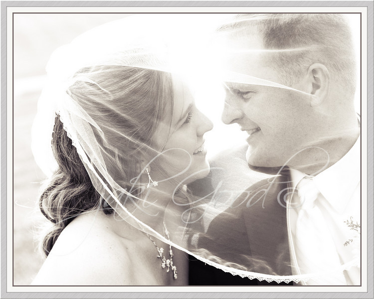 """<p class=""""ContentSubHeader""""> Struckel Wedding </p> <p class=""""ContentText""""> what a match made in heaven - love this couple! <br> <a href=""""/gallery/9329008_LPyKZ"""">click here to see more pictures...</a>"""