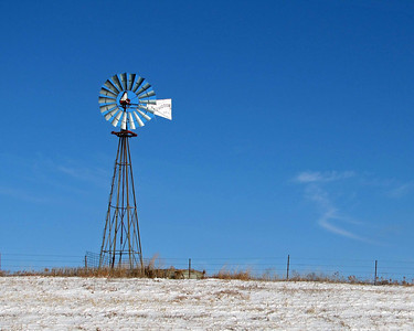 Old-fashioned Prairie Windmills