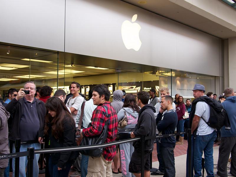 iPhone 4 Queue