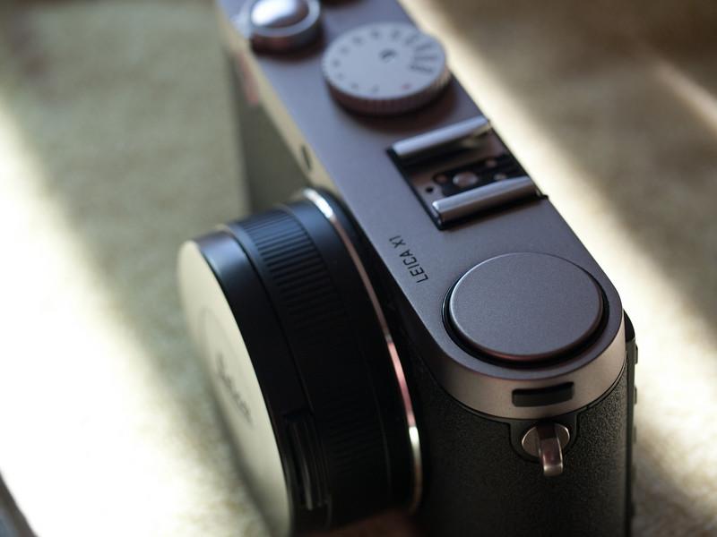 Leica X1 Flash (Closed)