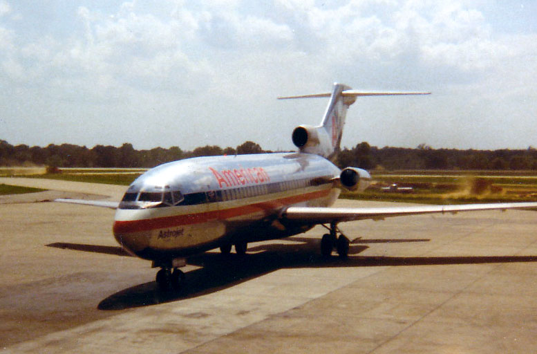 BOEING 727<br /> Memphis International Airport, Memphis, Tennessee - May 1971<br /> <br /> Another very special airplane for me -- the sweet bird of freedom that brought me home on leave after Boot Camp. I've always had a fondness for 727s after that.