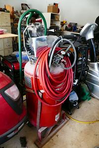 An air compressor w 6hp motor