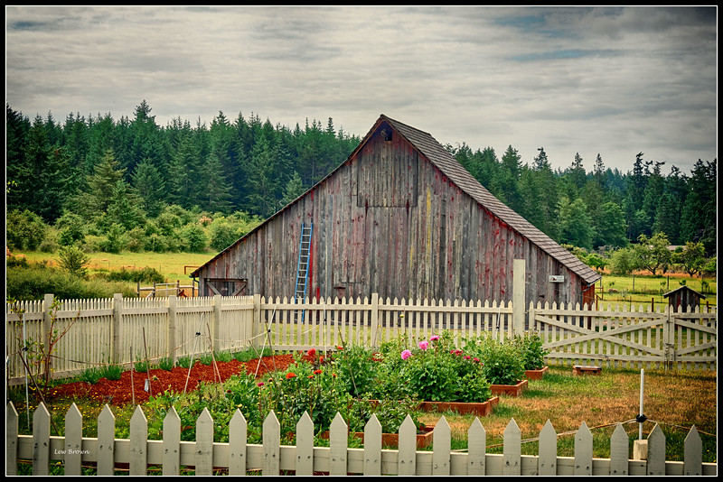 """""""Painted Barn"""" built in 1905"""