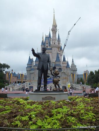 Walt Disney Cinderella's Castle Magic Kingdom 24-09-2013 17-21-58