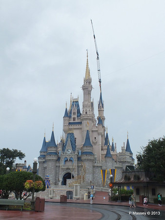 Cinderella's Castle Magic Kingdom 24-09-2013 15-00-20