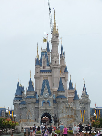 Cinderella's Castle Magic Kingdom 24-09-2013 14-55-47