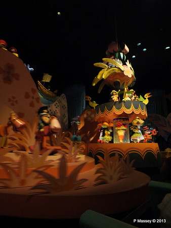 It's a Small World Magic Kingdom 24-09-2013 15-48-17