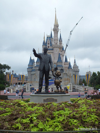 Walt Disney Cinderella's Castle Magic Kingdom 24-09-2013 17-21-59