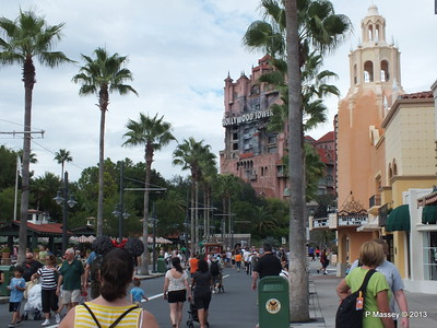 Hollywood Tower Hotel 24-09-2013 20-28-43