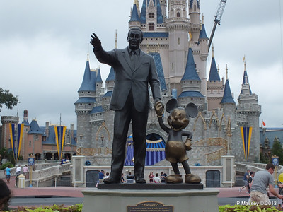 Walt Disney Cinderella's Castle Magic Kingdom 24-09-2013 17-21-47