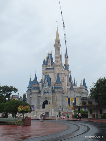 Cinderella's Castle Magic Kingdom 24-09-2013 15-00-13