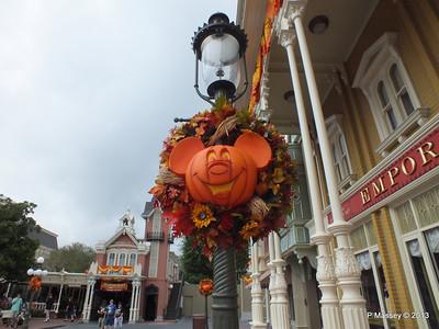 Halloween Mickey Magic Kingdom 24-09-2013 17-57-51