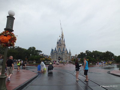 Main Street Cinderella's Castle Magic Kingdom 24-09-2013 14-55-43