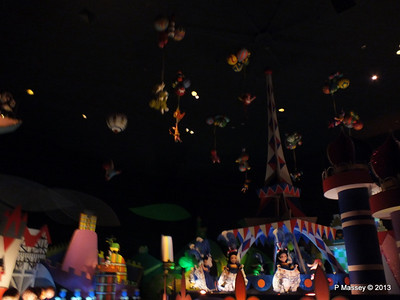 It's a Small World Magic Kingdom 24-09-2013 15-43-57