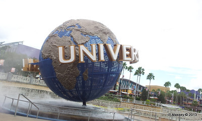 Universal Studios ball phone 22-09-2013 14-04-34