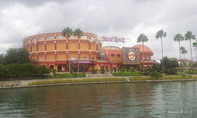 Hard Rock Cafe universal CityWalk phone 19-09-2013 11-33-56