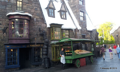 Harry Potter's Wizarding World phone 19-09-2013 08-05-04