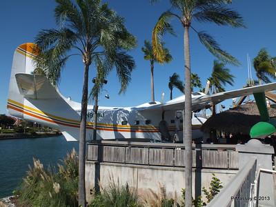 N928J Seaplane Margaritaville Universal CityWalk 26-09-2013 21-35-46