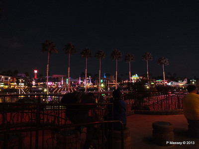 Universal CityWalk at Night 27-09-2013 00-57-23