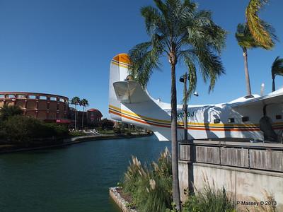 N928J Seaplane Margaritaville Universal CityWalk 26-09-2013 21-35-39