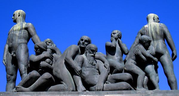 sculpture at vigelands park