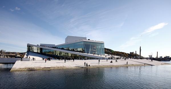 Walking on the roof of the new Norwegian Nationl Opera designed by the award winning Norwegian architects Snohetta.
