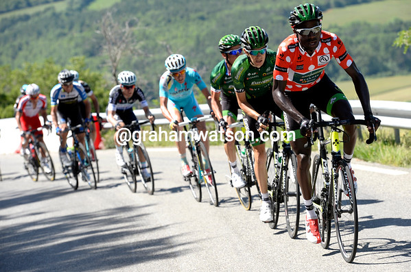 Kevin Reza is trying to get across on the climb - or to get a teamate across...