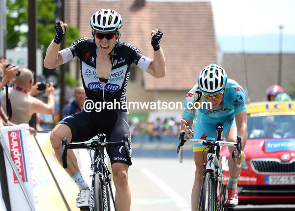 It's Jan Bakelandts who wins stage six from Lieuwe Westra..!