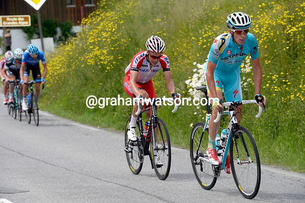 Lieuwe Westra leads an attack with Silin, but Ryder Hesjedal is closing in on this move...