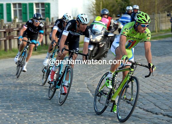 Sagan leads Vandenbergh, Terpstra and Thomas back towards Harelbeke...