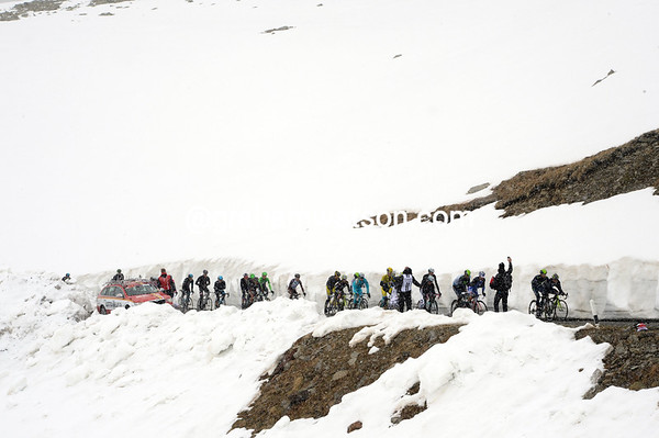 The favourites group composes about 20 riders as they head for the summit of the Gavia Pass...