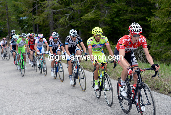 Wellens has got across and now leads the escape up the Sella Razzo...