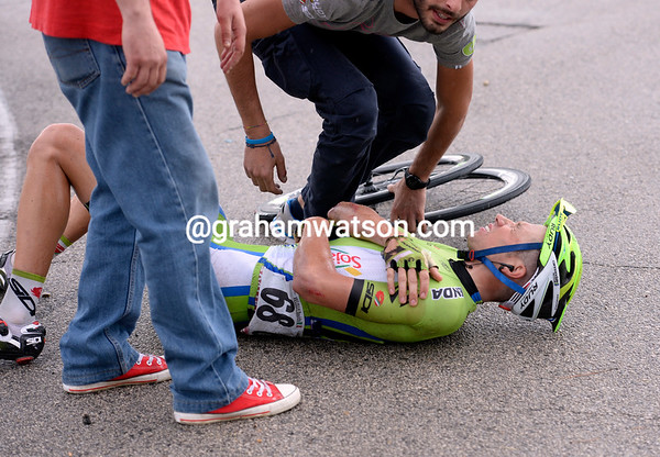 David Villella looks bad too - ho won't finish either..!