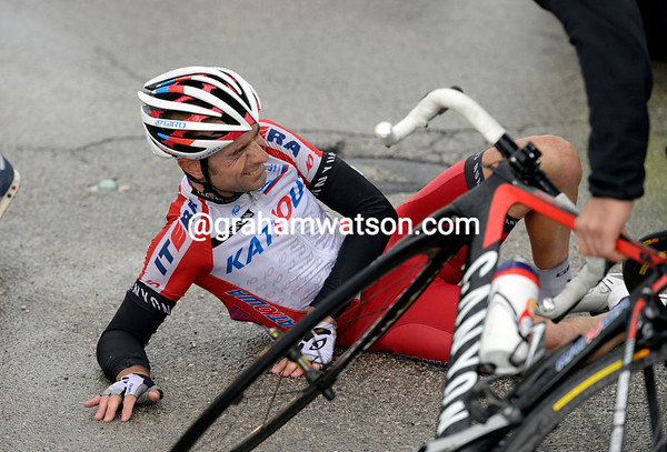 Angel Vicioso is injured too, while teamate Joaquim Rodriguez is chasing to get back on...