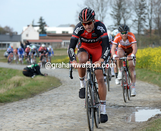 Van Avermaet is feeling it from yesterday's race - he cannot make it to the lead group..!