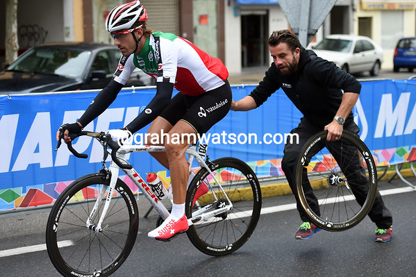 Fabian Cancellara makes the first wheel-change of the day, after just two-kilometres..!