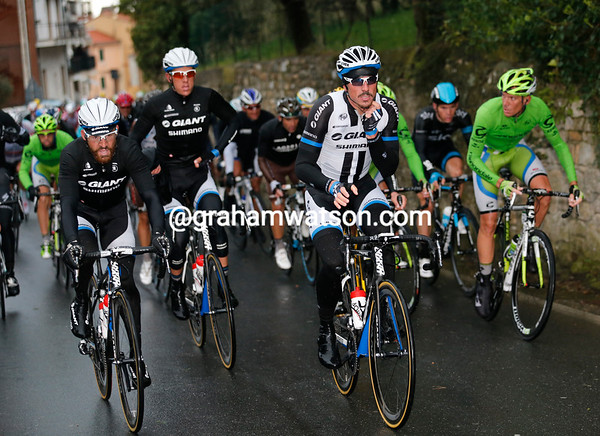 John Degenkolb leads the peloton up the Cipressa - he must be feeling strong..!
