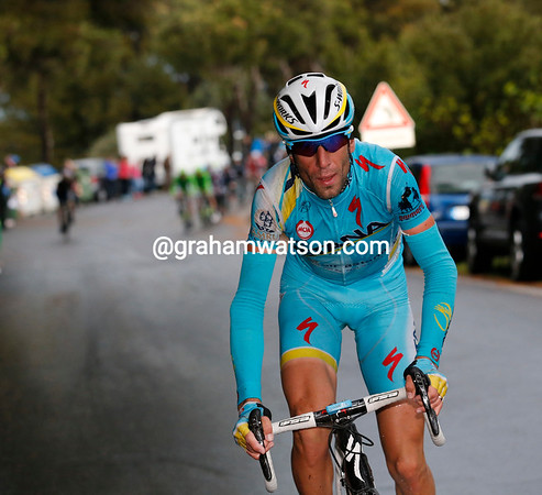 Nibali's effort has only gained him 15-seconds so far, but he'll pull further away on the descent...