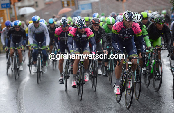 Filippo Pozzato leads Lampre on the Capo Mele - they are still six minutes down on the escape...