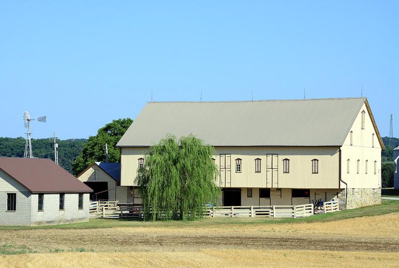 Barn-T&J Breeders Farms Spring Grove,PA