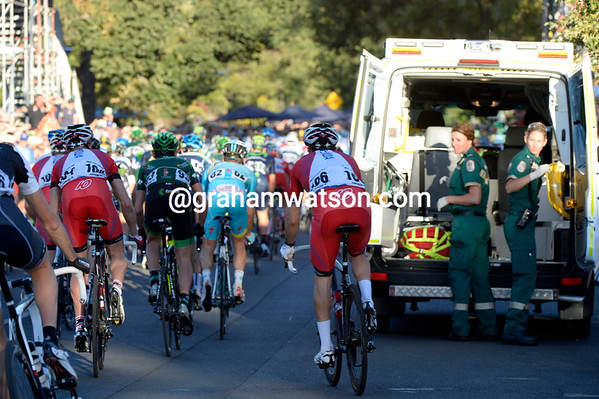 The race-ambulance is carrying Giovanni Visconti away and at the same time causing some concern for the peloton a few laps later...