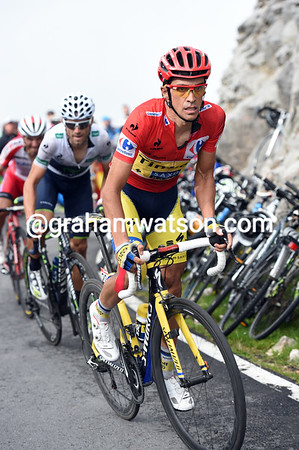 Contador is dancing away, but has failed to shift Valverde and Rodrigiez...