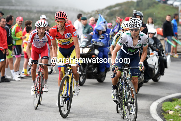 Contador looks frustrated that he still has Valverde, Rodriguez and Aru for company...