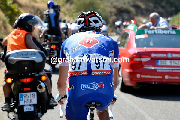 Thibaut Pinot has also been dropped, it's not clear why he's even in this Vuelta after such a great Tour de France...