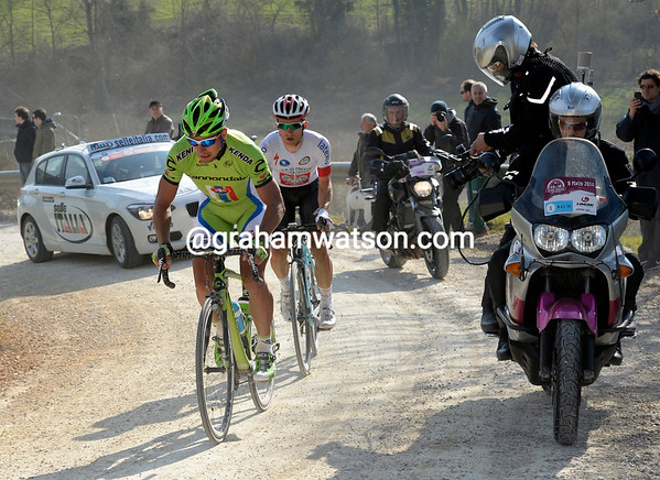 Sagan and Kwiatkowski near the end of the last un-surfaced section, but Sagan looks to be tiring...