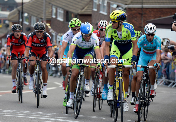 Contador leads the Tour up Jenkin Road with Nibali and Albasini waiting and watching...