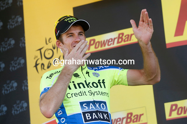 Michael Rogers celebrates after winning into Bagneres-de-Luchon alone..!